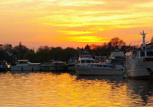 Fancy coming on holiday to Oulton Broad and enjoying views such as this?