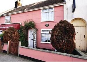 Oulton Broad Holiday Cottage