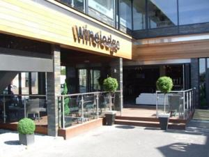 winelodge-oulton-broad-has-closed-down